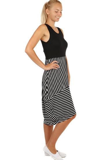 Letní šaty s balonovou sukní c09637de781